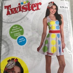 Twister Women's Costume Kit! New!